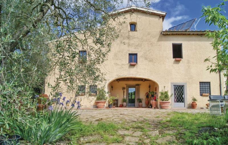 Catapecchia 1173629,Vivienda de vacaciones  con piscina comunitaria en Scandicci Fi, en Toscana, Italia para 12 personas...