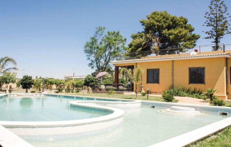 Villa gaia 1175844,Casa  con piscina privada en Menfi Ag, Sicily, Italia para 8 personas...