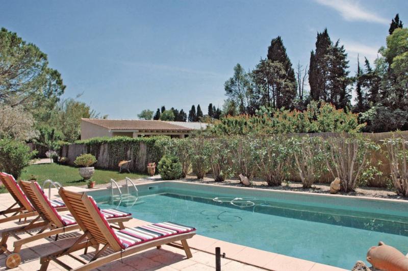 1176065,Vivienda de vacaciones  con piscina privada en Saint Remy De Provence, Rhône, Francia para 4 personas...