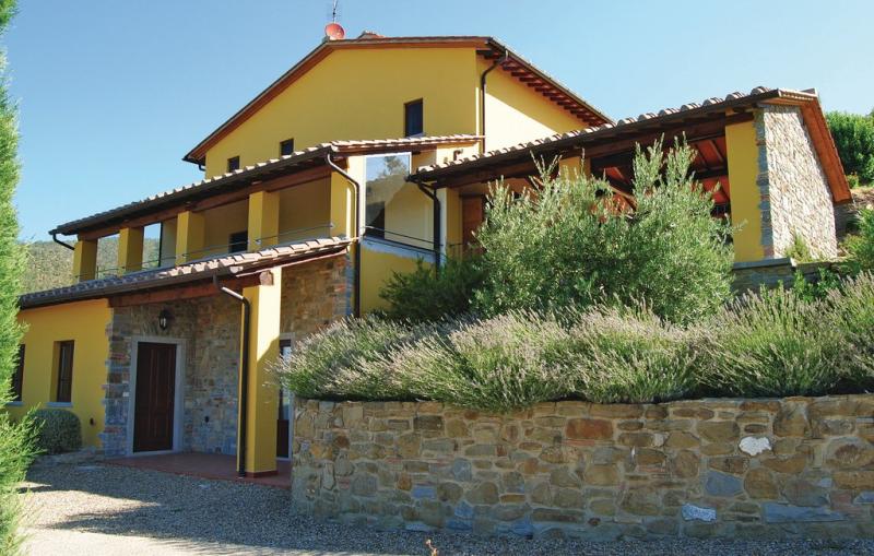 La veranda 1176204,Casa en San Giustino V.no -Ar-, en Toscana, Italia  con piscina privada para 8 personas...