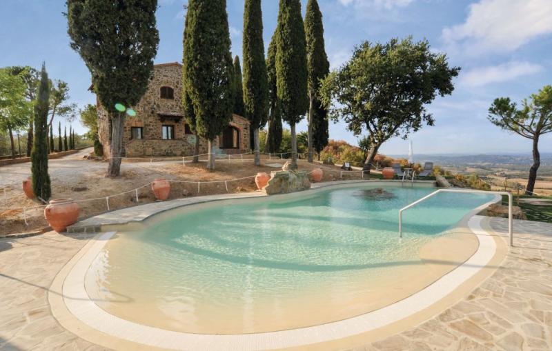 Pecino 1176210,Casa grande en Torrita Di Siena Si, en Toscana, Italia  con piscina privada para 10 personas...