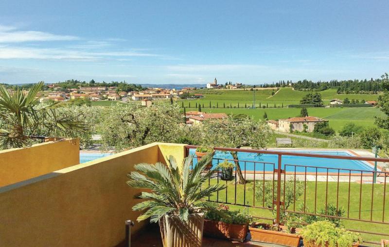 Residence il torcolo 1177102,Apartamento  con piscina privada en Cavaion Veronese Vr, Lake Garda, Italia para 4 personas...