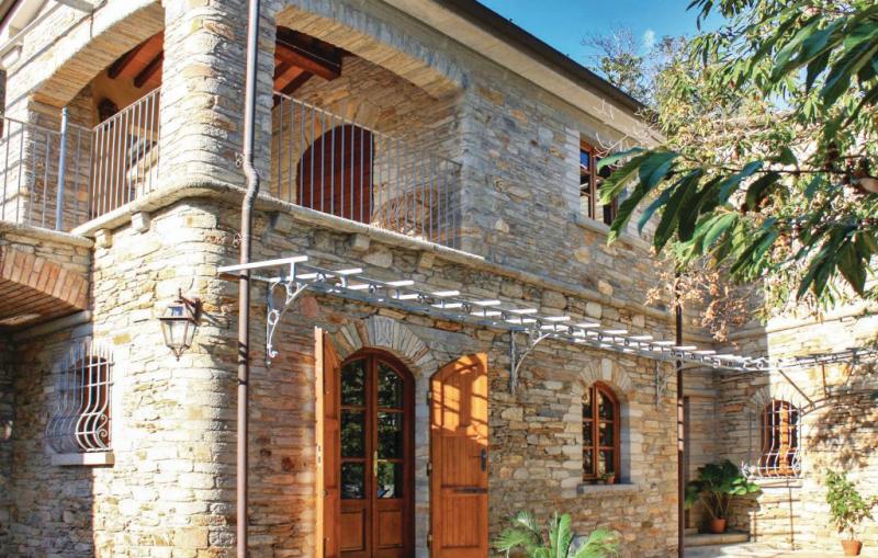 Rinserrata 1177485,Casa en Montignoso -Ms-, en Toscana, Italia para 8 personas...