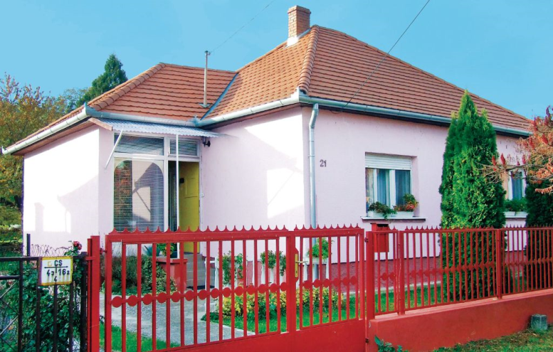 1177641, Holiday house in Fonyód, Balaton, Hungary  with communal pool for 4 persons...