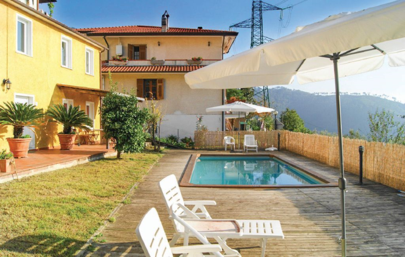 Casa degli uccellini 1177738,Casa en Montignoso -Ms-, en Toscana, Italia  con piscina privada para 6 personas...
