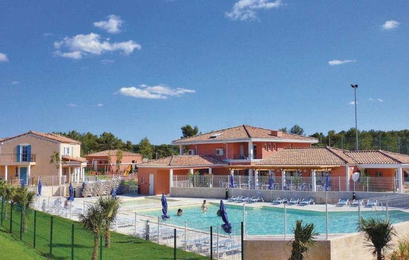 1177893,Apartamento en Cabriés, Rhône, Francia  con piscina privada para 4 personas...