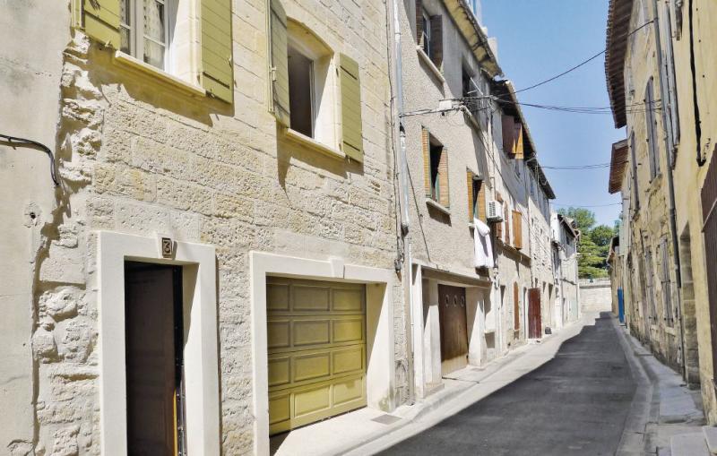 1178352,Vivienda de vacaciones en Beaucaire, Languedoc-Roussillon, Francia  con piscina comunitaria para 5 personas...