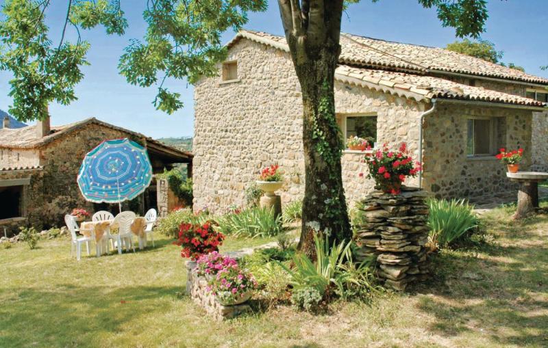 1178377,Vivienda de vacaciones en St. Etienne De Boulog., Ardèche, Francia para 4 personas...