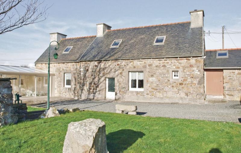 1178753,Vivienda de vacaciones  con piscina comunitaria en Kerbors, Brittany, Francia para 5 personas...