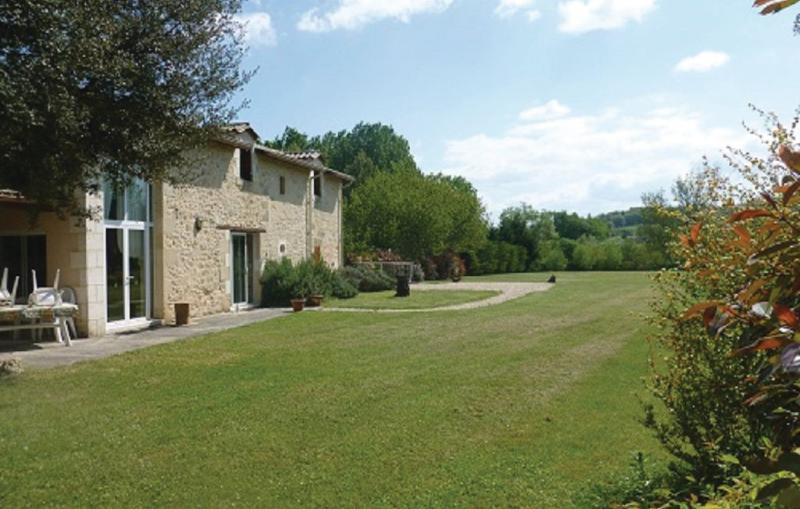 1179417,Vivienda de vacaciones en Montpeyroux, Dordogne, Francia  con piscina comunitaria para 7 personas...