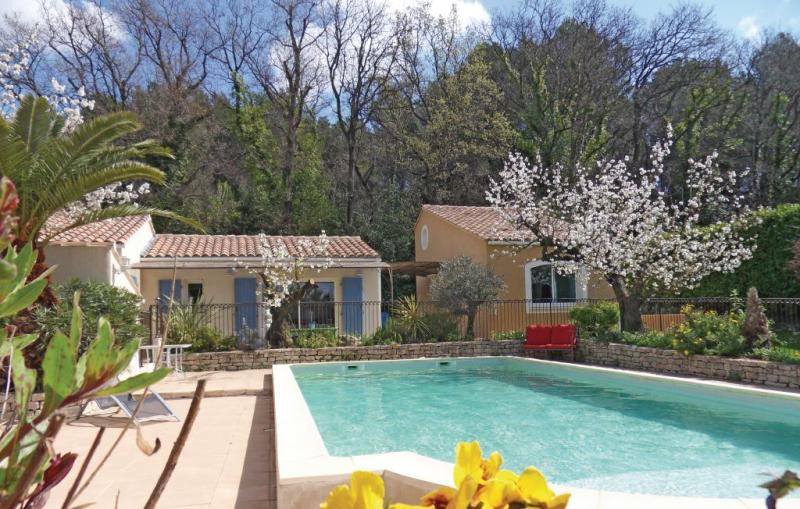 1181287,Vivienda de vacaciones en Eyragues, Rhône, Francia  con piscina privada para 2 personas...