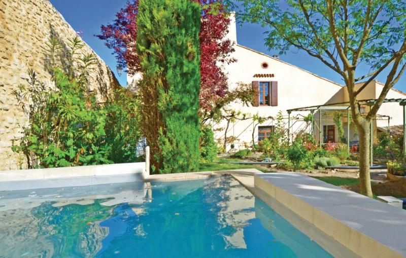 1181291,Vivienda de vacaciones  con piscina privada en Grignan, Drôme, Francia para 7 personas...