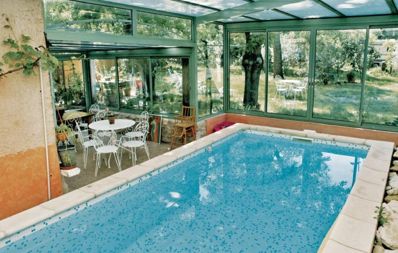 1184129,Vivienda de vacaciones en Saint Remy De Provence, Rhône, Francia  con piscina privada para 8 personas...