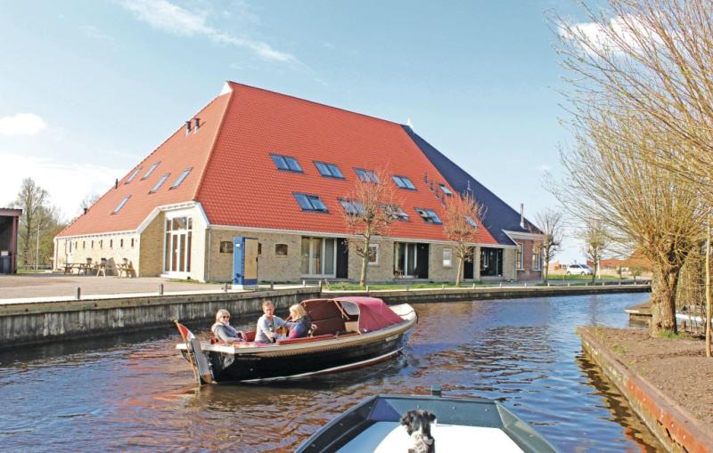 V broeresloot deluxe app 1184139,Apartamento  con piscina comunitaria en Sneek, Friesland, Holanda para 4 personas...