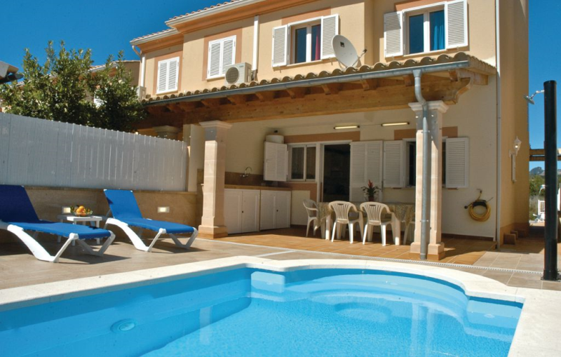 1184232,Holiday house in Alcúdia, Mallorca, Spain  with private pool for 8 persons...