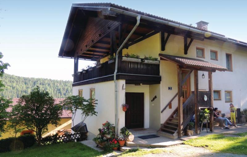 1184261,Apartamento en Klein St. Paul, Carinthia, Austria  con piscina comunitaria para 4 personas...