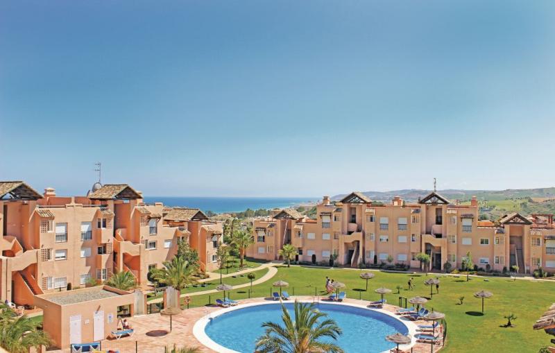 1184492,Apartamento en Casares Costa, Andalucía, España  con piscina privada para 6 personas...
