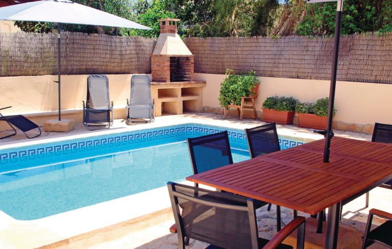 1184498,House  with private pool in Sa Ràpita, Mallorca, Spain for 8 persons...