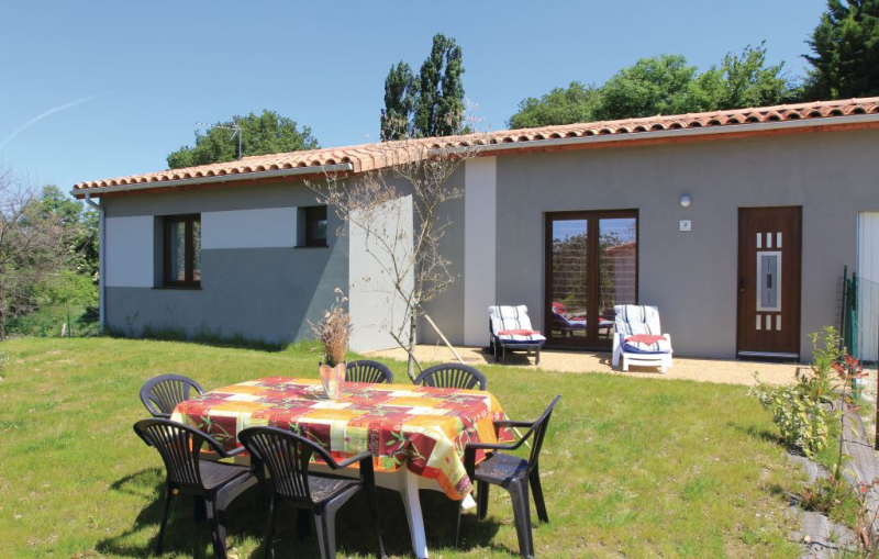 1184524,Vivienda de vacaciones en Charols, Drôme, Francia  con piscina privada para 6 personas...