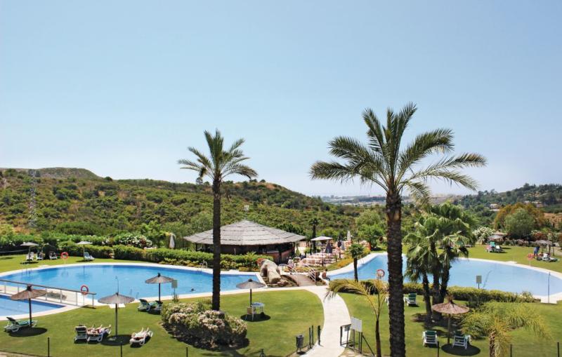 E128 urb parque botanico 1184847,Apartamento en Benehavis-malaga, Andalucía, España  con piscina privada para 4 personas...