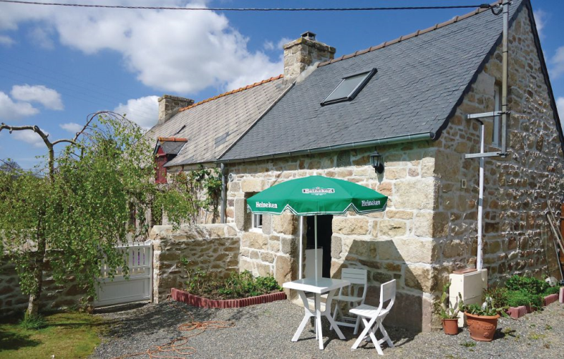 1185369, Holiday house in Louargat, Brittany, France for 3 persons...