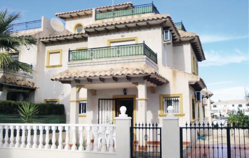 1185797,Vivienda de vacaciones  con piscina privada en Orihuela Costa, en la Costa Blanca, España para 6 personas...