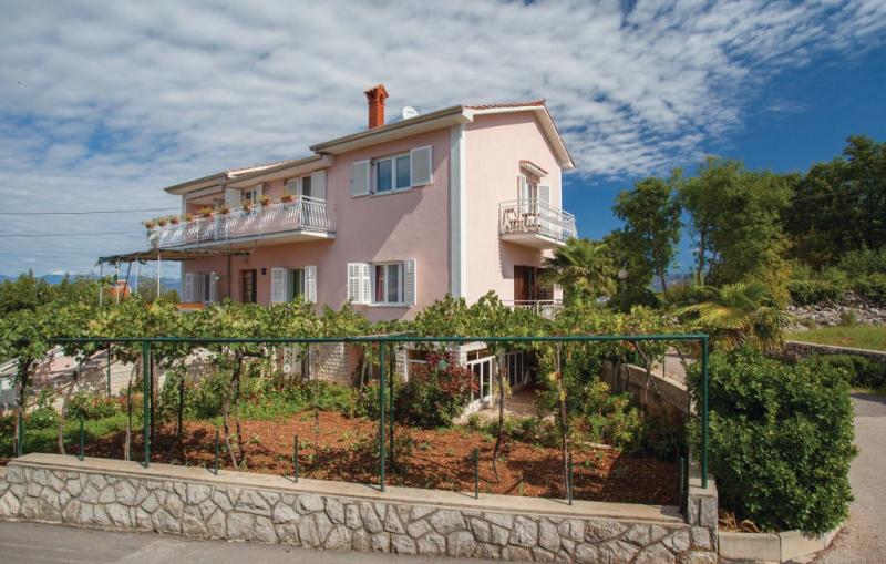 1185920,Apartamento en Dobrinj, Dalmatia Islands, Croacia para 4 personas...