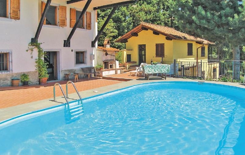 Casale 1 1185995,Apartamento en Loro Ciuffenna Ar, en Toscana, Italia  con piscina privada para 4 personas...