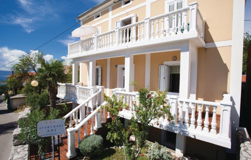 1186274,Apartamento en Omisalj, Dalmatia Islands, Croacia para 2 personas...