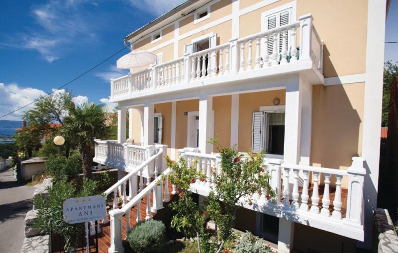 1186466,Apartamento en Omisalj, Dalmatia Islands, Croacia para 5 personas...