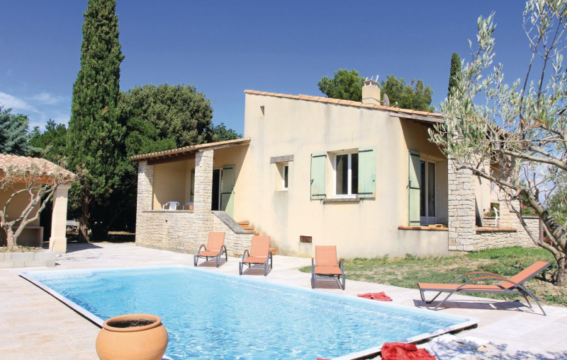 1186573,Vivienda de vacaciones  con piscina privada en Tulette, Drôme, Francia para 8 personas...