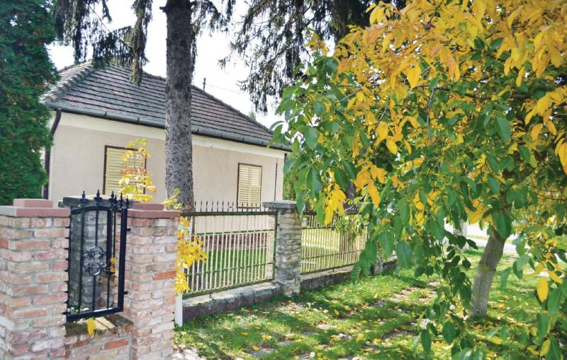 1186914,Vivienda de vacaciones en Szántód, Balaton Somogy, Hungría  con piscina comunitaria para 4 personas...
