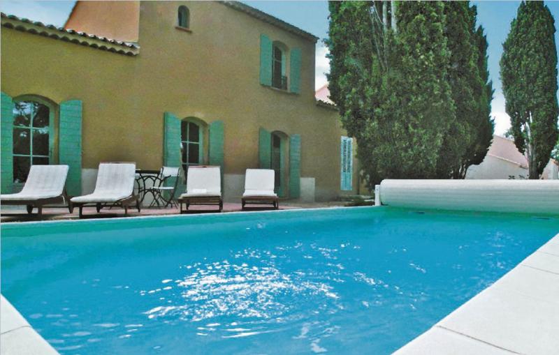 1186946,Vivienda de vacaciones  con piscina privada en Saint Remy De Provence, Rhône, Francia para 6 personas...