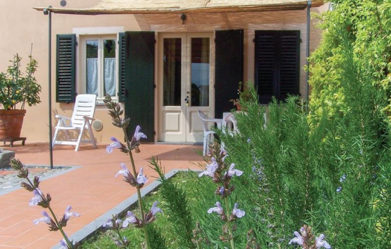 Il casale 1187282,Vivienda de vacaciones  con piscina comunitaria en Lammari Lu, en Toscana, Italia para 5 personas...