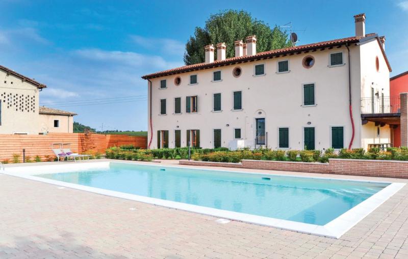 Casa valpolicella 1188037,Apartamento en Cavaion Veronese -Vr-, Lake Garda, Italia  con piscina privada para 4 personas...