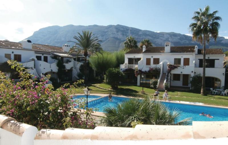 Tropicanapark 1188207,Apartamento  con piscina privada en Denia, en la Costa Blanca, España para 3 personas...