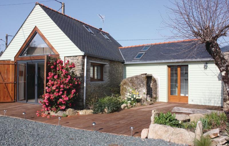 La grange 1188276,Vivienda de vacaciones en Crossac, Loire, Francia  con piscina privada para 4 personas...