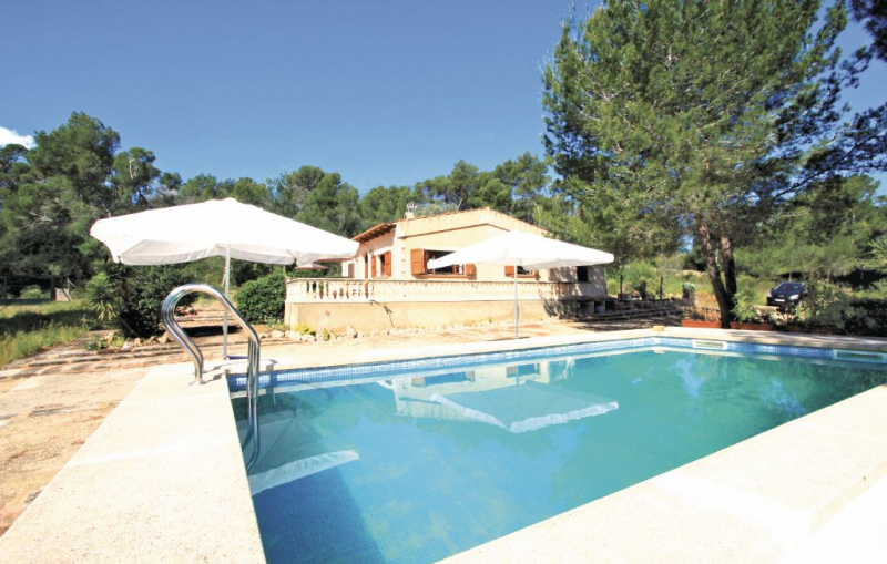 1188367,House in Petra, Mallorca, Spain  with private pool for 4 persons...