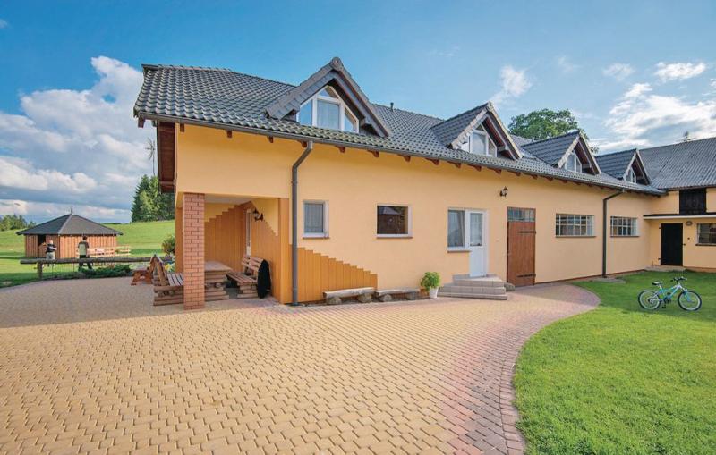 Pod lipa 1110619,Vivienda de vacaciones en Chmielno, Pomerania, Polonia para 17 personas...