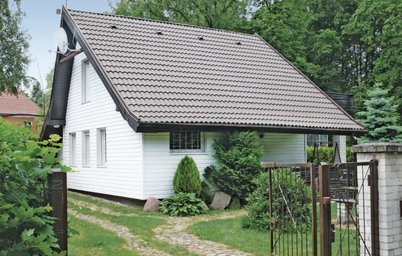 1110944,Vivienda de vacaciones  con piscina comunitaria en Insko, Rowy-Baltic sea, Polonia para 6 personas...