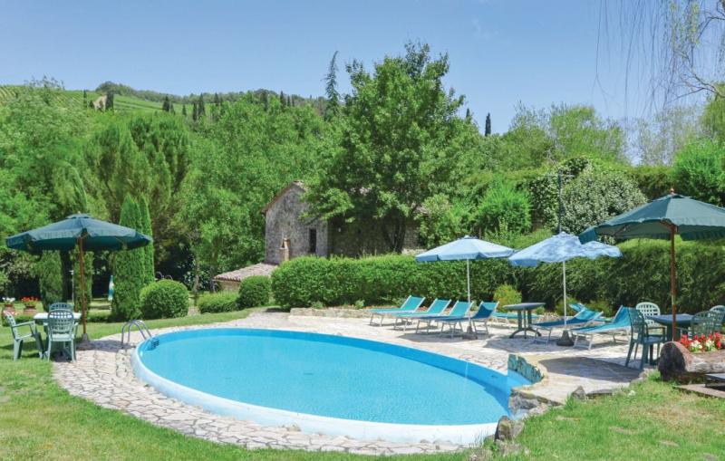 Molino del chianti 1188938,Casa en Radda In Chianti -Si-, en Toscana, Italia  con piscina privada para 14 personas...