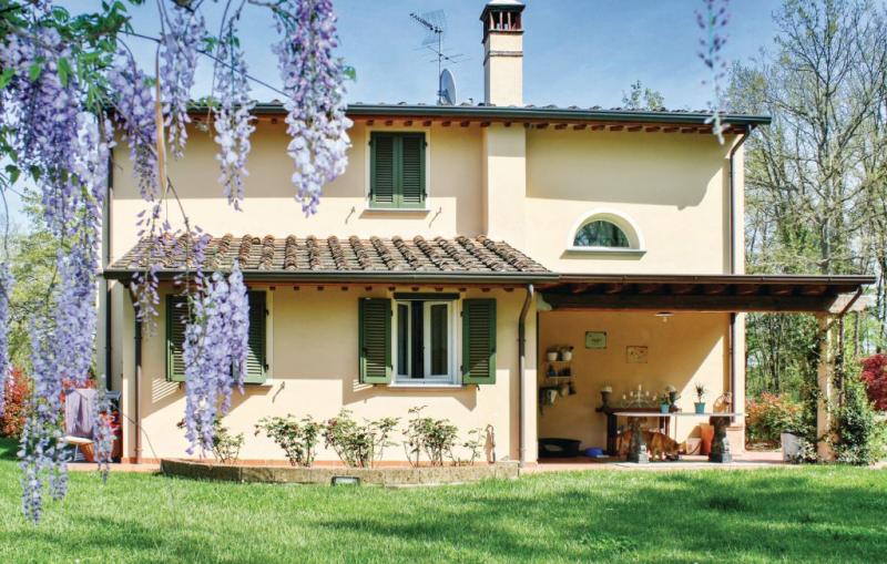 1190553,Casa en Pontedera (Pi), en Toscana, Italia  con piscina comunitaria para 5 personas...