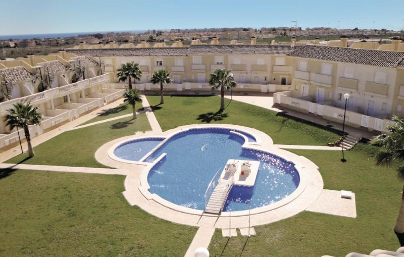 1190569,Apartamento en Orihuela Costa, en la Costa Blanca, España  con piscina privada para 4 personas...