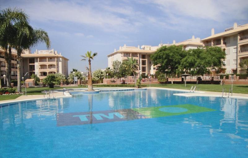 1191822,Apartamento en Orihuela Costa, en la Costa Blanca, España  con piscina privada para 4 personas...