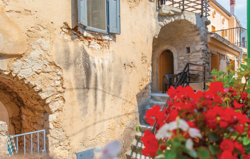 1192509,Apartamento en Omisalj, Dalmatia Islands, Croacia para 3 personas...