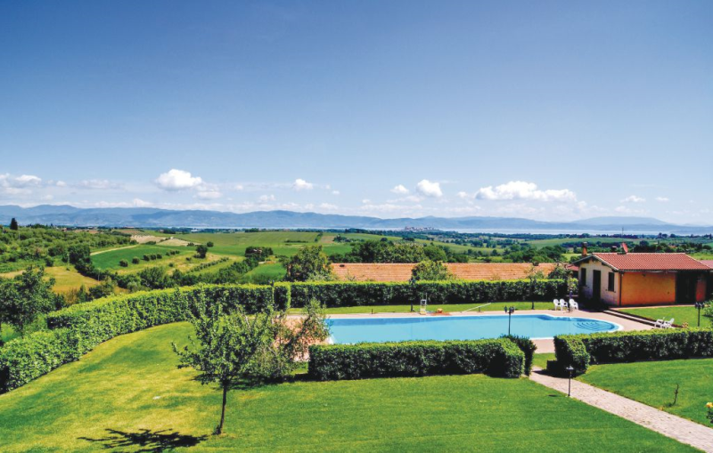 Alloro 1192578,Apartamento en Castiglion Del Lago, Umbria, Italia  con piscina privada para 4 personas...