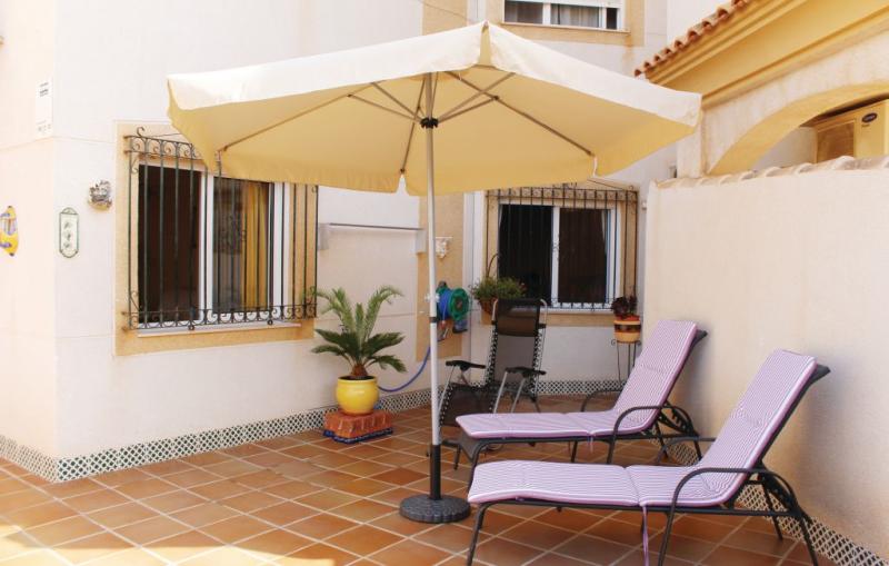 1192899,Apartamento en Orihuela Costa, en la Costa Blanca, España  con piscina privada para 4 personas...