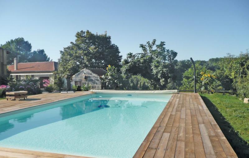 1192971,Vivienda de vacaciones en Mombrier, Gironde, Francia  con piscina privada para 6 personas...