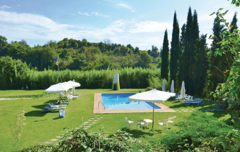 Margherita 1193318,Apartamento  con piscina privada en Gambassi Terme -Fi-, en Toscana, Italia para 4 personas...