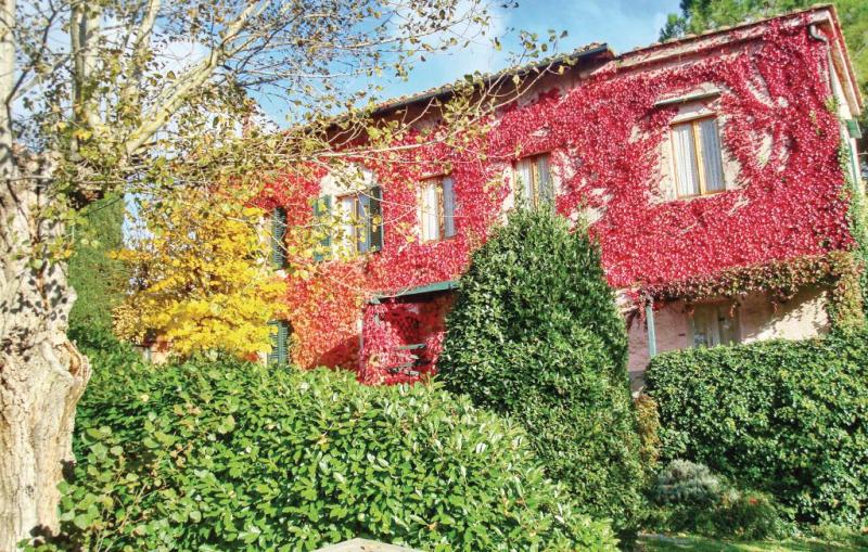 Oca 1193466,Apartamento  con piscina privada en Casole D'elsa (Si), en Toscana, Italia para 4 personas...